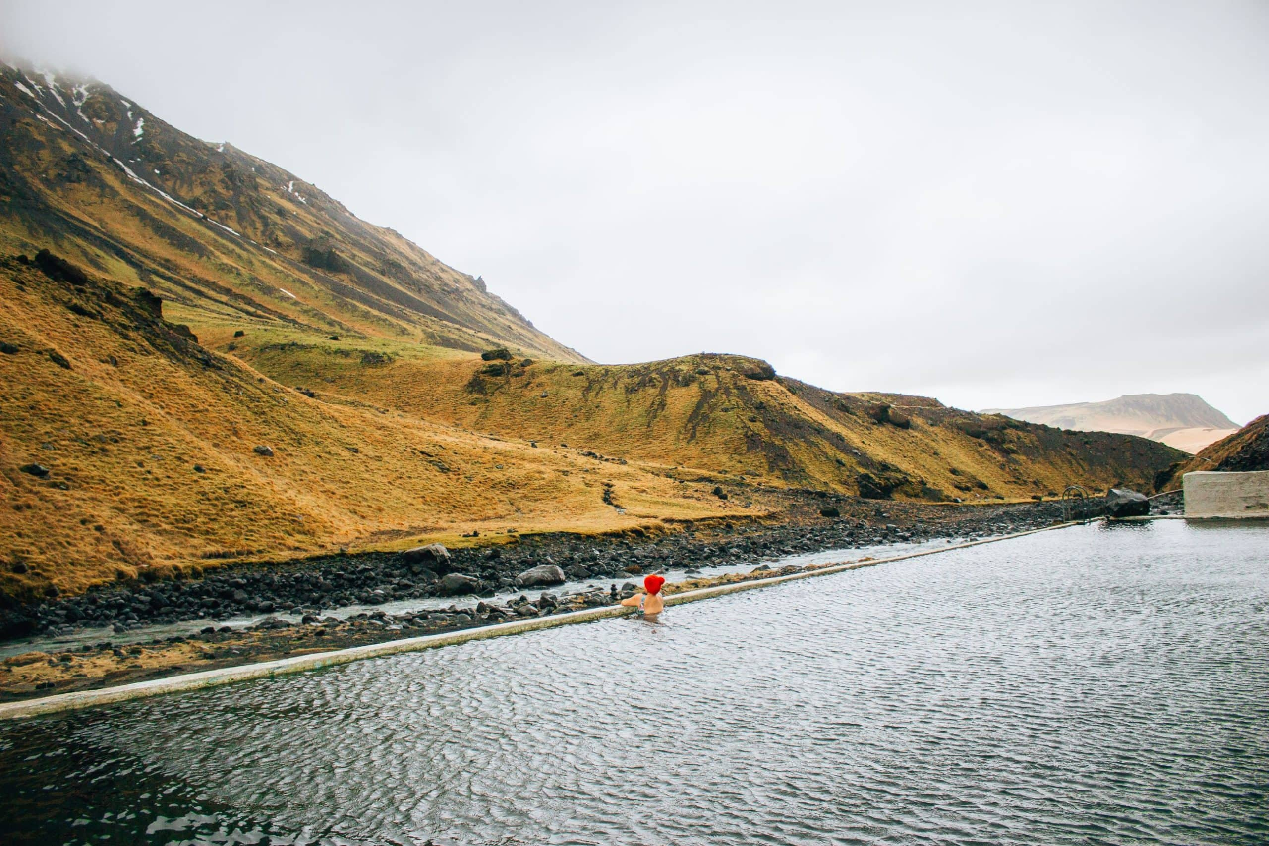 4 Hot Springs you must visit in Iceland